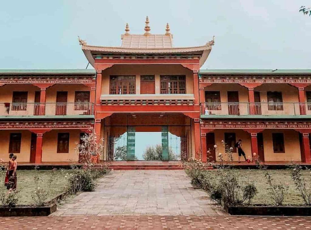 Tibetan culture at the Monasteries